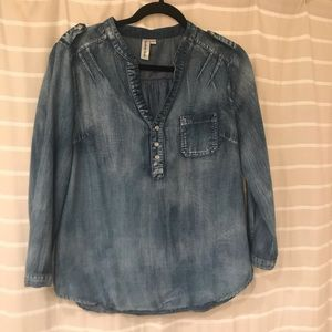 Distressed Demin Popover Blouse
